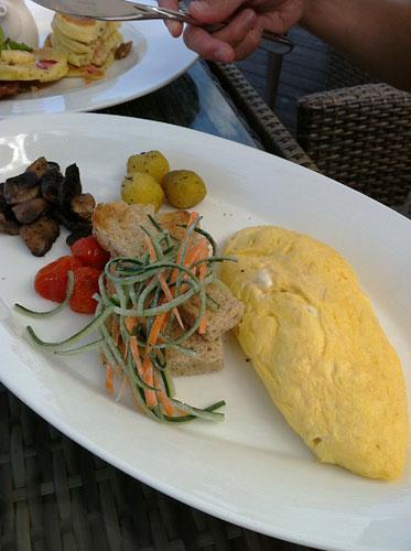 サマヤの朝食 オムレツ